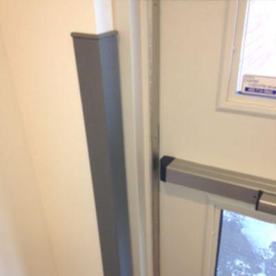 Protège-coin de mur en aluminium et PVC solide
